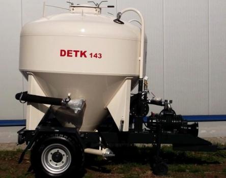 DETK 143 takarmányszállító tartálykocsik